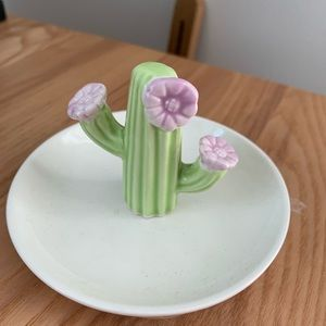 CUTE CACTUS AND FLOWER RING HOLDER